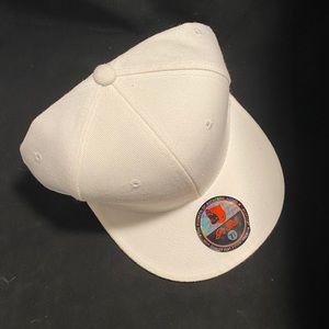 PIT BULL Fashion Hat Size 7 3/4, White, New